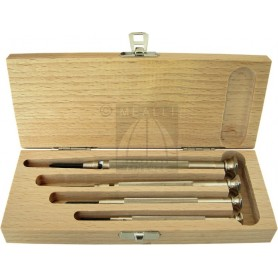 Set of 4 screwdrivers in wood case