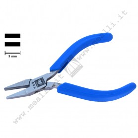 Flat Nose Serrated Jaws Plier